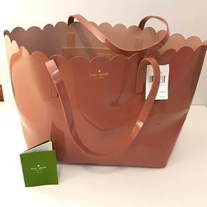 KATE SPADE Lily Avenue Patent Carrigan Large